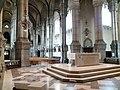 Église de l'Immaculée-Conception - Autel et nef.jpg