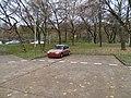 Čumpelíkova, vrak na parkovišti u střelnice.jpg