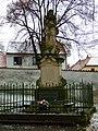 Římov, socha v areálu Lorety.jpg