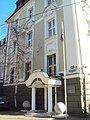 Здание суда с украшенными ризалитами 02.jpg