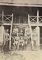 อาจารย์และนายทหารที่เข้าศึกษาในโรงเรียนการปืนใหญ่ทหารบก โคกกระเทียม ลพบุรี พ.ศ. 2469.jpg