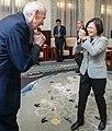 03.05 總統接見美國在臺協會(AIT)主席莫健.jpg