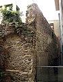 048 Fragment de muralla al pati de Can Pedrals (Granollers).jpg