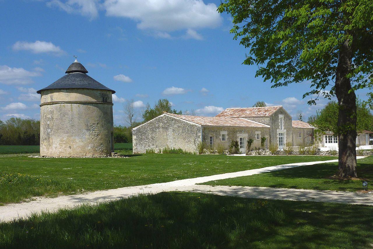 File 135 abbaye de la gr ce dieu wikimedia for Piscine grace de dieu