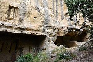 Lamanon - Grottes de Calès.