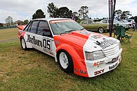 Der Holden VK Commodore von Larry Perkins