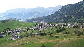 Vue d'ensemble du village d'Albiez-Montrond.