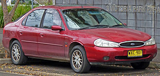 Genk Body & Assembly - Image: 2000 Ford Mondeo (HE) Ghia hatchback 01