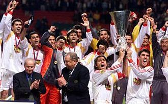 2000 UEFA Cup Final - Galatasaray celebrating their win after being handed the accolade by UEFA President Lennart Johansson