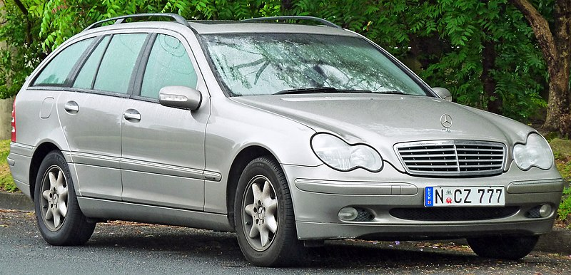 File:2003 Mercedes-Benz C 200 Kompressor (S 203 MY03) Elegance station wagon (2011-11-17).jpg