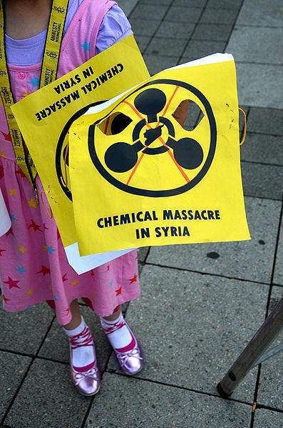 File:2015-08-21 Gedenken am Ernst-August-Platz in Hannover an die Giftgas-Opfer von Ghouta in Syrien, (11).JPG