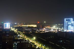 201607 A train passes Qiantangjiang Station.jpg