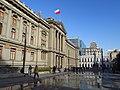 2017 Santiago de Chile - Plaza y edificio de los Tribunales de Justicia.jpg
