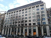 22 avenue Montaigne Paris.jpg
