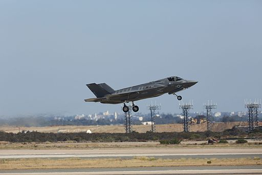 A U.S. Marine Corps F-35B Lightning II aircraft with Marine Fighter Attack Squadron (VMFA) 121, 3rd Marine Aircraft Wing (MAW), launches from Marine Corps Air Station (MCAS) Miramar, San Diego, Calif., July 30 130712-M-DF987-004