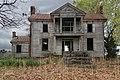 Abandoned plantation near Wakefield VA 25 (40856445854).jpg