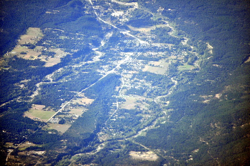 File:Aerial - U.S. 2 south of Libby, Montana 01 - white balanced (10323459926).jpg