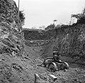 Afgraving met waterpomp bij de plantage San Juan van Harry Maal op Curaçao, Bestanddeelnr 252-7531.jpg