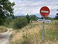 Aire du Trièves (Le Monestier-du-Percy) - panneau sens interdit.jpg