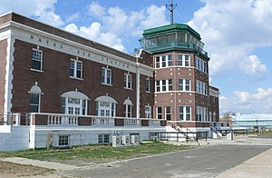 Airport tower Floyd Bennett Field 06.JPG