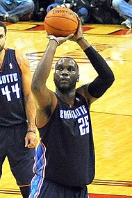 Al Jefferson Bobcats freethrow.JPG