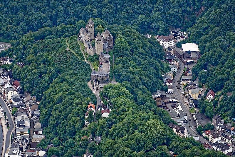 File:Altena Burg Altena FFSW-1022.jpg