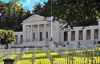 Suresnes American Cemetery and Memorial - Image: American Cemetery and Memorial in Suresnes 001