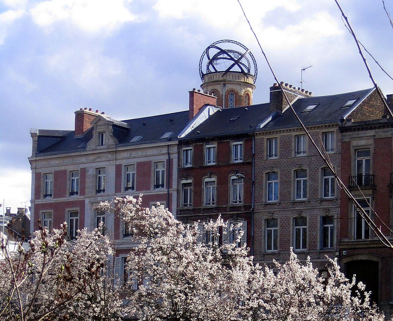 File:Amiens Tour Jules Verne (depuis Boulevard) 1a