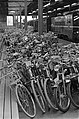 Amstelstation vol met fietsen, Bestanddeelnr 920-5053.jpg