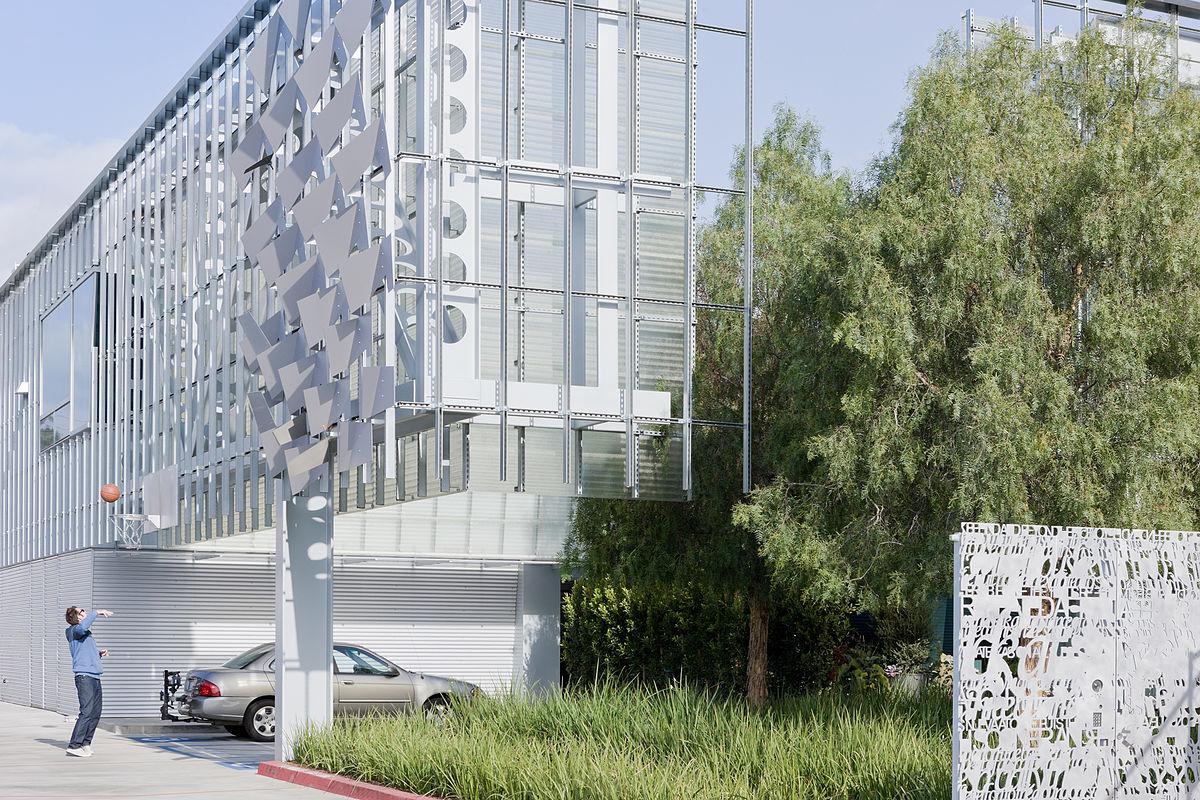 Tom farrage designer wikipedia for Architects corporation