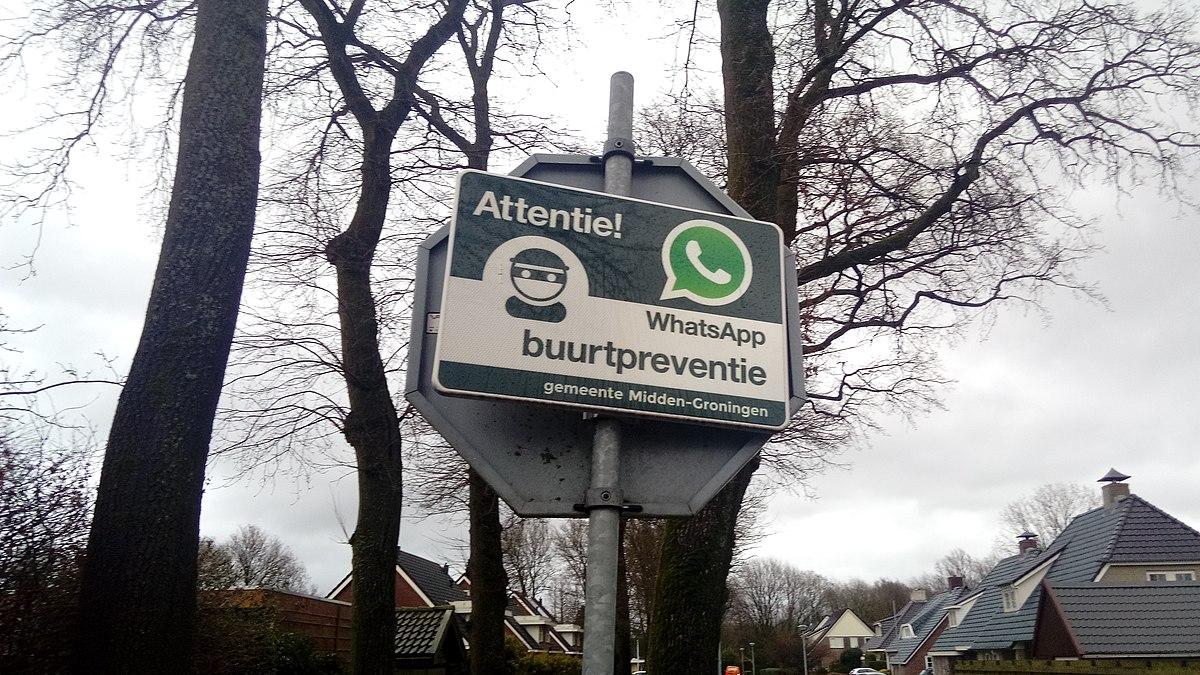 File:Attentie! WhatsApp Buurtpreventie (gemeente Midden-Groningen) sign, Zuidbroek (2020) 02.jpg - Wikimedia Commons