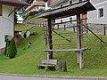 Außervillgraten - Dorfharpfe und Weg zur Kirche.jpg