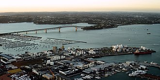 Waitematā Harbour - The Auckland Harbour Bridge, an eight-lane motorway bridge, crosses the harbour