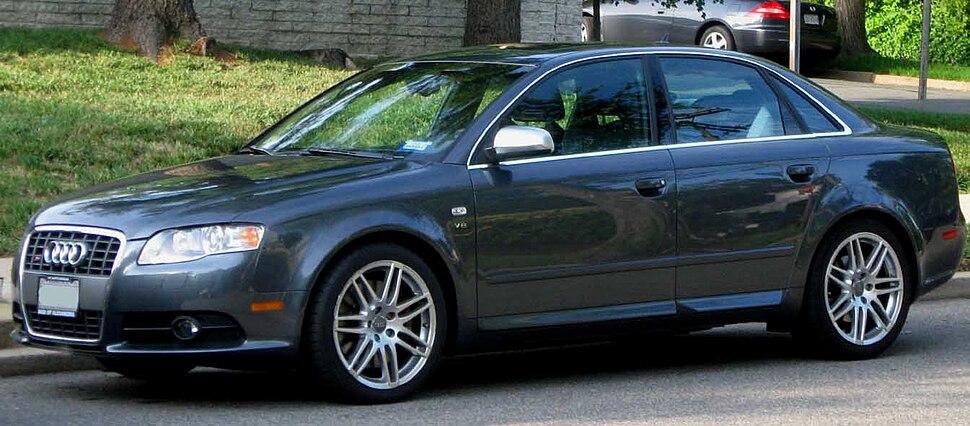 Audi S4 - Howling Pixel