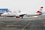 Austrian Airlines, OE-LBC, Airbus A321-111 (40057046474).jpg