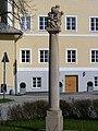 BIldstock mit Pieta, Nonntaler Hauptstraße - Dr. Josef Klaus Platz-2.jpg