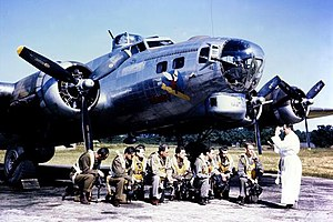 Fifinella - Image: B 17 crew blessing