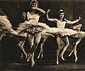 Balet Velká opereta Praha 1940.jpg