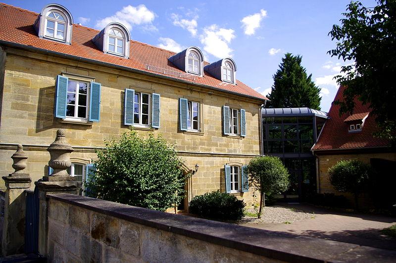 File:Bauernhof HS.JPG