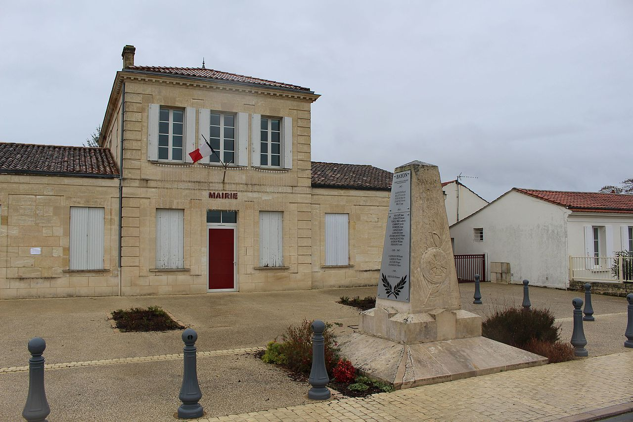 Bayon-sur-Gironde - Mairie.jpg