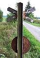 Bežerovice, přejezd u zastávky, výstražný kříž s číslem přejezdu.jpg