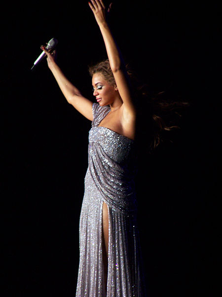 File:Beyonce In Tour.jpg