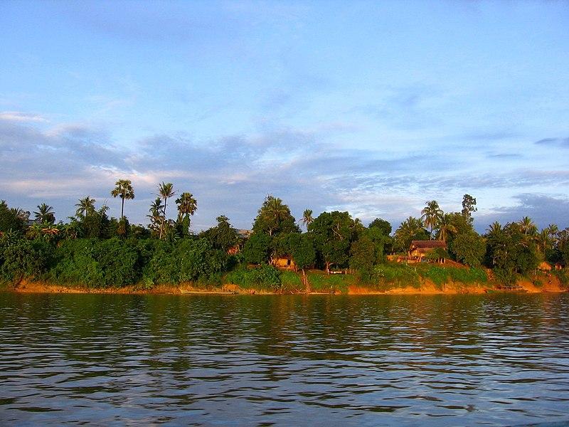 File:Bhamo-ayeyarwady-d10.jpg