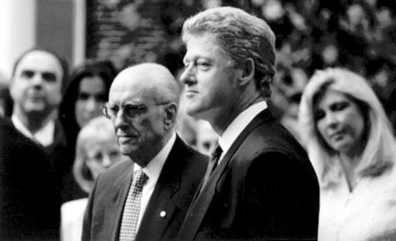 Prime Minister Andreas Papandreou on official visit with United States President William J. Clinton, Washington, April 1994. Dimitra Liani in the background Bill Clinton and Andreas Papandreou.jpg