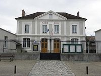 Blandy-les-Tours (77) Mairie.jpg
