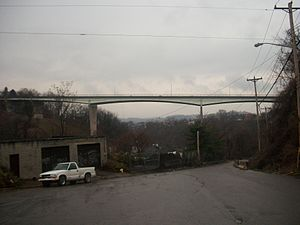 Bloomfield Bridge - Image: Bloomfield Bridge PGH