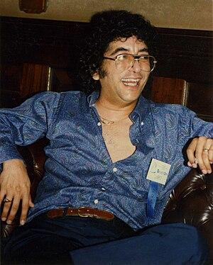 Robert Asprin - Image: Bob asprin laughing
