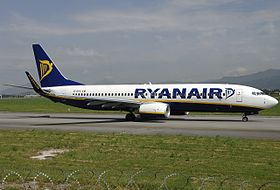 Boeing 737-8AS, Ryanair JP6361158.jpg
