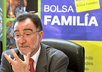 Bolsa Família - Minister of Social Development and Hunger Alleviation Patrus Ananias discussing the program