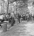 Bosbewerking, arbeiders, boomstammen, werkzaamheden, zagen, Bestanddeelnr 251-8142.jpg